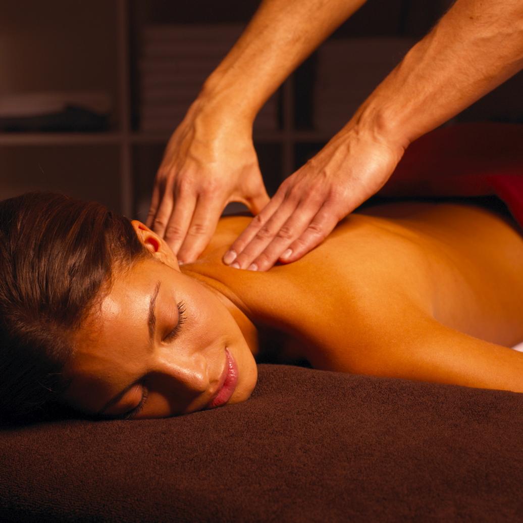 Картинки как парень делает девушке массаж, видео секс из социальных сетей